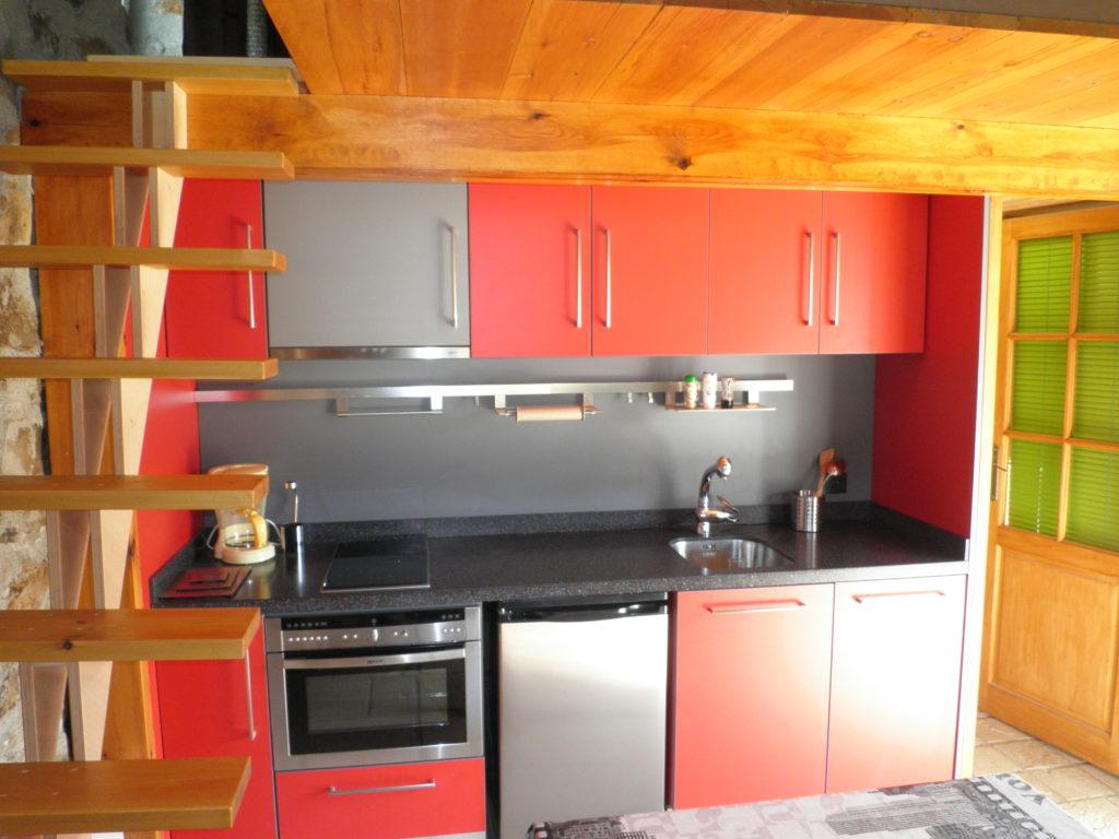 Fabrication de cuisine sur mesure - coloris Rouge et grise