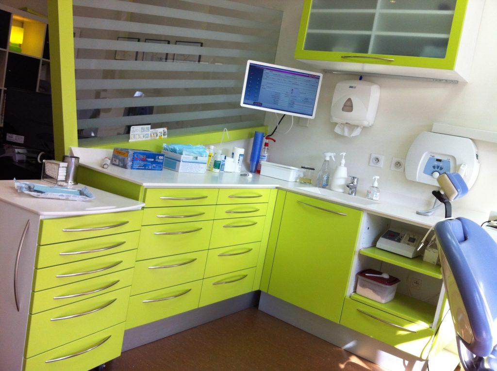 Mobilier dentaire sur mesure